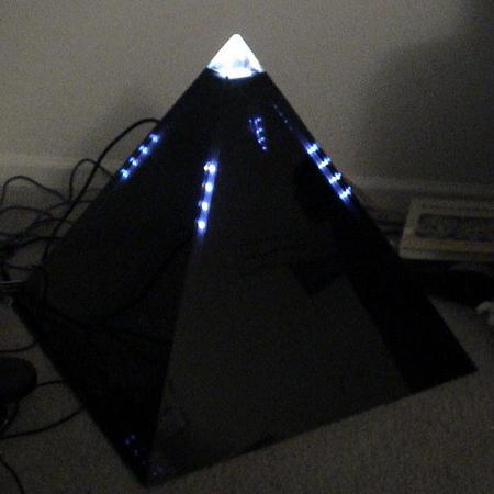 带来一款金字塔改造作品