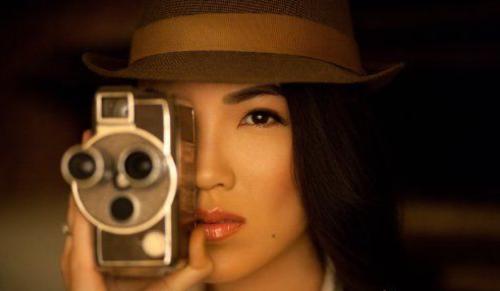 表情捕捉,实际上,参照《战地4》里的韩娜与范立美的个人照片我们可以图片