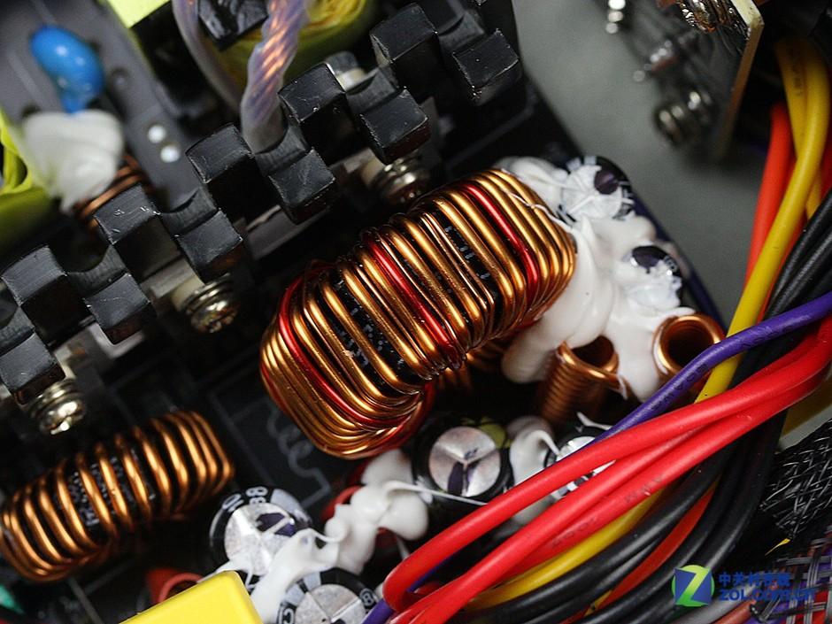 长线材可充电设计 鑫谷rp550电源评测