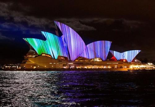 led照明 正文    【中关村在线led频道】第五届活力悉尼灯光音乐节于