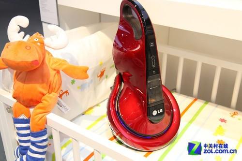 贴心呵护婴儿起居 LG 展示除螨吸尘器