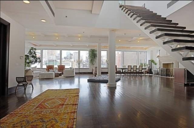 施密特旗下位于纽约的顶层豪宅也同样奢华。
