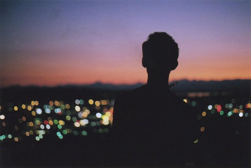 一个人看世界的灯火阑珊 唯美意境摄影 (3/16)图片