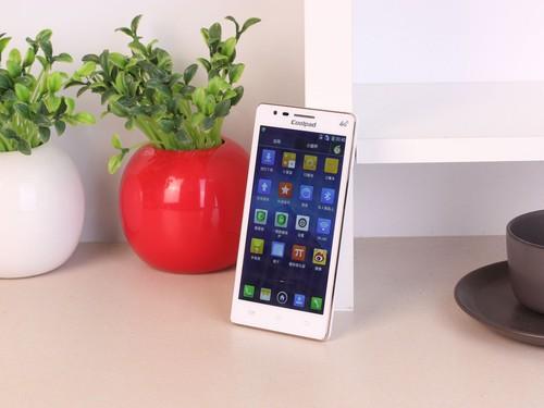 最亲民的4g手机 酷派8720l仅售1099元
