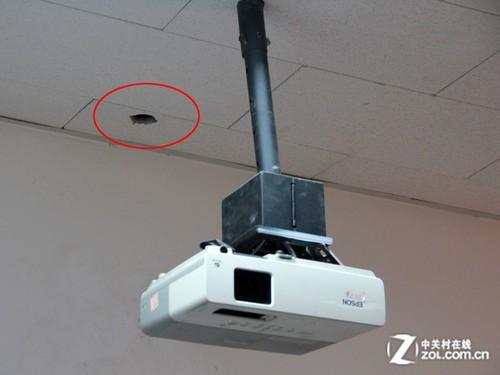 天花板荒废的吊装孔(红圈处)图片