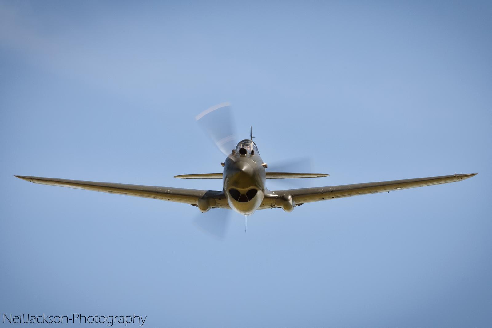 曾经的空战王牌 老式军用飞机的迷人风采
