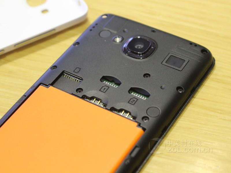 5ghz  四核 电池容量:2200mah  可拆卸式电池 后置摄像头:800万像素