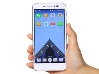 TCL 520 初现 美颜指纹 4g智能手机运行流畅 天猫仅售619元