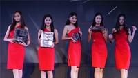 红衣Showgirl活动现场展示华硕游戏装备