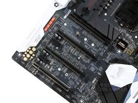 技嘉AORUS Z270X-Gaming 9显卡插槽
