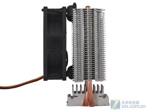 编辑点评:超频三红海mini散热器采用现在流行的塔式侧吹结构,内部配备两根纯铜热管,配合8cm智能温控风扇,带来了出色的散热能力,同时还有着不错的静音效果,目前在京东商城中的售价只要39.9元,价格比较实惠,推荐给注重性价比和稳定静音的入门级装机用户选购。
