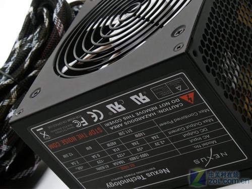 电源铭牌 另外,这款NX-6000 R3电源还带有一个3年的质量...