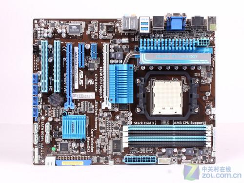 2000(O.C.)/1600/1333/1066MHz规格内存,并采用了单卡扣设计,插拔内存相当便捷。  SATA接口 SB850南桥原生提供6个SATA 6Gbps接口,为了不影响高端显卡用户使用超长设备,其中两个接口被设计成扭转形式,其余4个接口则位于离PCI-E插槽较远的地方,不会与显卡相互影响。  PCI扩展部分 主板提供了2条PCI-E 16X显卡插槽,支持交火,另外还提供了1条PCI-E 4X,1条PCI-E 1X和2条PCI插槽。  板载RTL8111E网络芯片  板载ALC892音频芯片