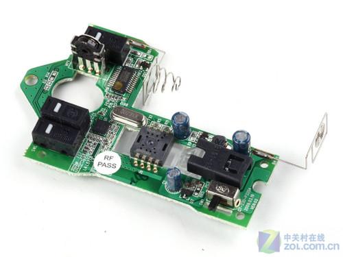 http://mouse.zol.com.cn/181/1816178.html mouse.zol.com.cn true 中关村在线 http://mouse.zol.com.cn/180/1804990.html report 703 通过下面的拆解图片我们可以看到,双飞燕3100无线套装的键盘内部设计紧凑,高品质胶碗切边整齐,主控电路板设计上也是很整洁。 双飞燕3100无线套装 键盘拆解 双飞燕3100无线套装 键盘导电薄膜 双飞燕3100无线套装 键盘主控电路板 双飞燕3100无.