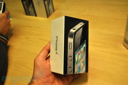 没谁比我疯狂疯狂 iPhone 4开卖首日全纪实