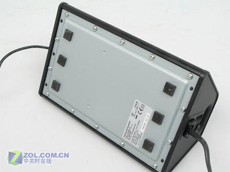 图为索尼爱立信公司的新款音响底座MDS-70-超重低音带遥控 索爱音
