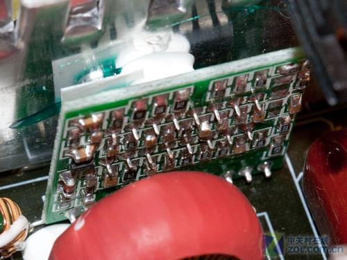 串联稳定电源的安装与调试的电路板
