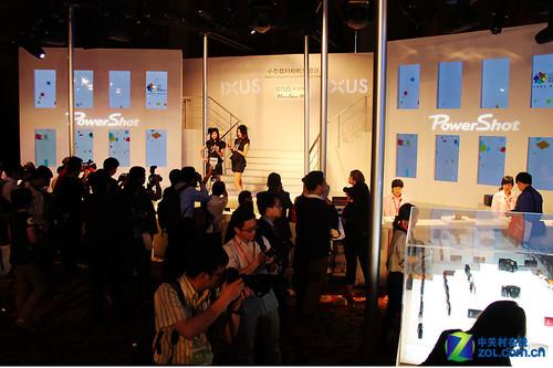 佳能EXPO2011:时尚炫动色彩之舞迎宾厅