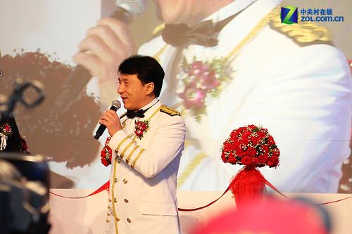 佳能EXPO2011:成龙大哥化身影像之轮船长