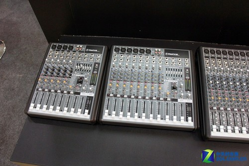 KOBA2011: 专业调音台及工程音箱随拍