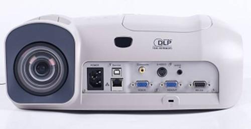 足不出户看《变形金刚3》艾洛维 VE320ST 3D投影机