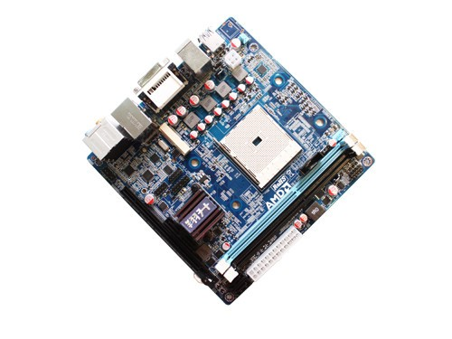 产品整合了8声道声卡和千兆网卡;i/o接口方面,主板提供了常见的ps/2