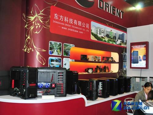 国产机箱不逊色 东方城香港展显神威