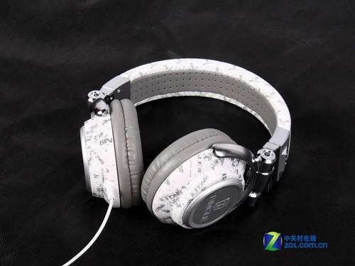 年度巨献 盘点40款2011年给力耳机新品_akg k3003