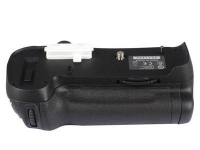 尼康 MB-D12原装手柄,适用尼康D800    D800E 原装正品尼康D810 D800 D800E相机专用 电池盒 电池闸盒 手柄 MB-D12.尼康D12手柄。