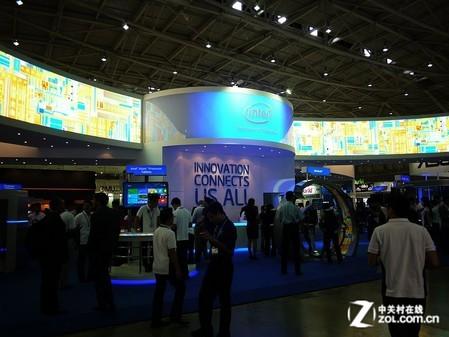 Computex2012:联想K800现身Intel展台