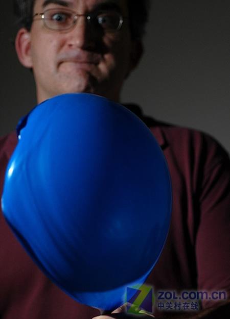 你絕對拍不出的氣球爆炸畫面
