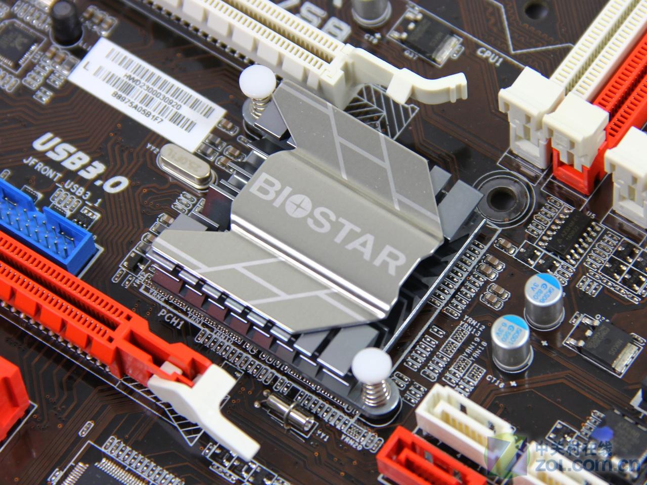 在IVB消费者级别的主板中,有Z77、Z75以及H77三位悍将。然而目前我们市面上见到的IVB主板,放眼望去,全是Z77及H77,中间的Z75却根本没有见到,这是怎么回事呢?别急!说曹操,曹操到,今天我们就为大家带来一款映泰出品的基于Z75芯片组的主板:映泰TZ75B。与Z77主板相比,Z75主板依旧支持带KCPU的超频,依旧能够满足超频玩家的需求。同时,去掉了Z77芯片组3路SLI/CrossFireX及SRT功能。用不到这两项功能的用户,可以说Z75芯片组会更划算一些。下面我们就来一睹这款Z75主板的