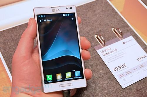 黑白真机上手玩 LG Optimus L9亮相IFA