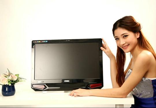 广州电脑维修_美女DIY组装玖嘉久ATT一体机电脑高清图