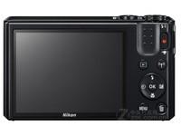 尼康S7000 白色 20倍光变 背入式CMOS 3英寸屏 25MM广角 WIFI  京东官方旗舰店1099元(赠品)