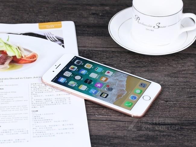 苹果iPhone8Plus像素图