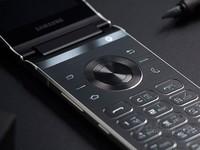 三星(samsung)W2018智能手机(6GB RAM+256GB ROM 双卡 翻盖 双屏) 京东29800元