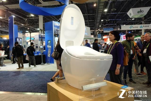 以后上厕所只需张嘴 CES上的马桶颠覆认知!