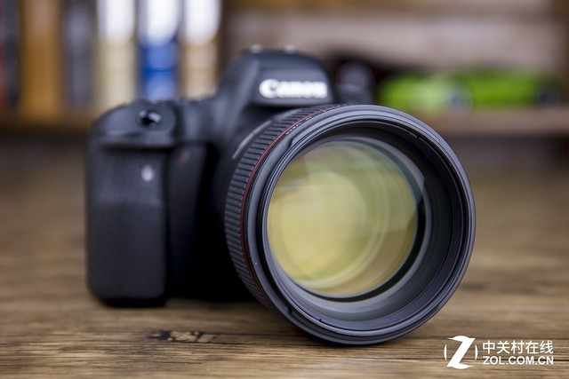 从画幅到规格 单反/微单相机如何选配镜头
