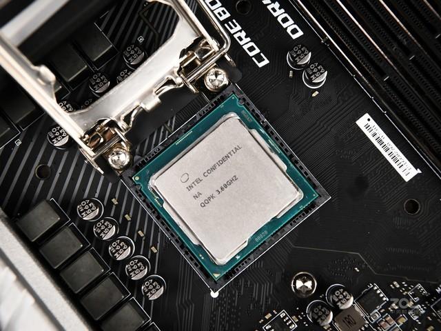 睿频高达4.9GHz i7 9700K玩游戏就是这么给力