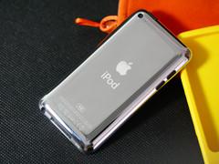 苹果 touch4 背面图