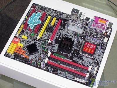 磐正EP-5P965+GLI主板全貌